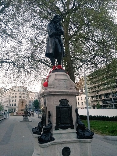 Colston Statue with Red Slavery Chains