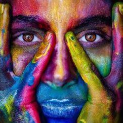 girl multicolour -2696947_640