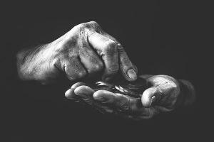 poverty-4561704_640
