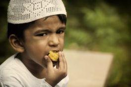 muslim kid-635811_640