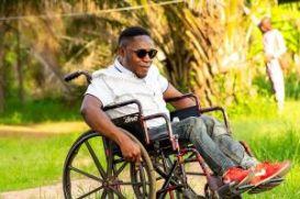 man-on-a-wheelchair-5073594_640