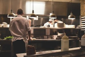 catering kitchen-731351_640