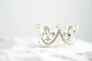 crown-1866986_640
