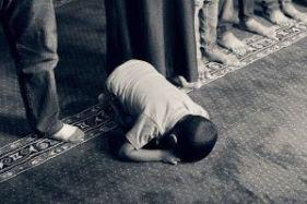 praying kid-1077793_640